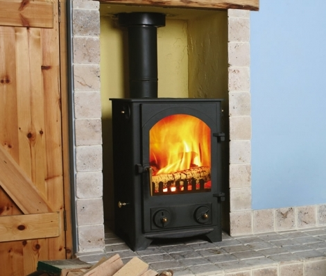 The Ryedale 5Kw Multifuel Stove